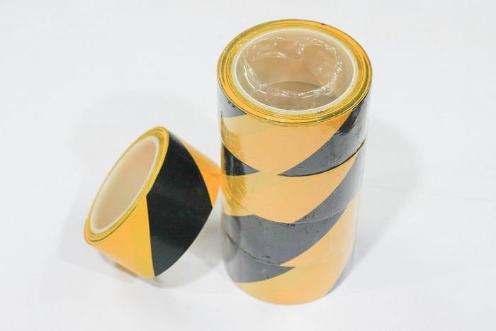 Băng keo phản quang vàng đen